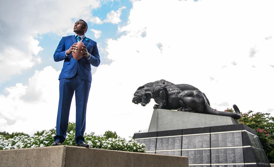 Thomas Davis, Carolina Panthers and Defending Dreams
