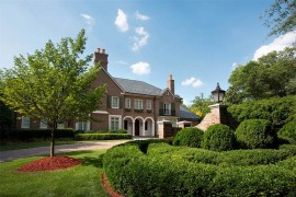 Sotheby's International Realty: 2622 Richardson Drive