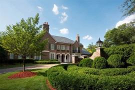 Sotheby's International Realty: 2622 Richardson Drive