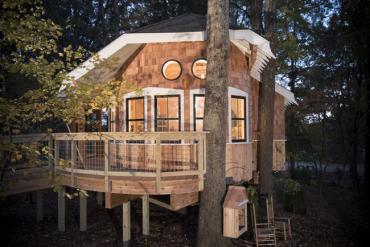 Treehouse Masters' Omni Montessori Owl's Nest Library